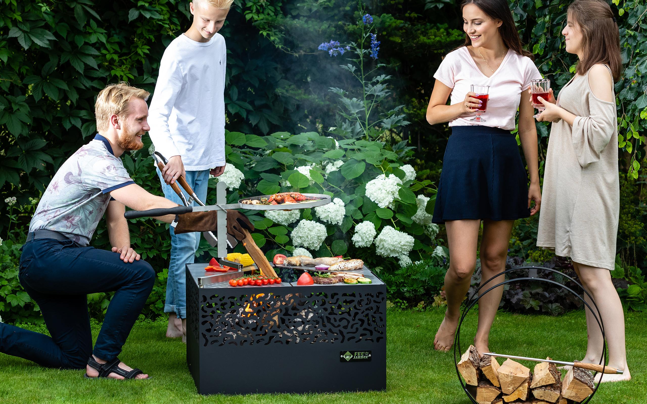 Grillieren auf der Feuerschale Cube 500 - Feu du Jardin