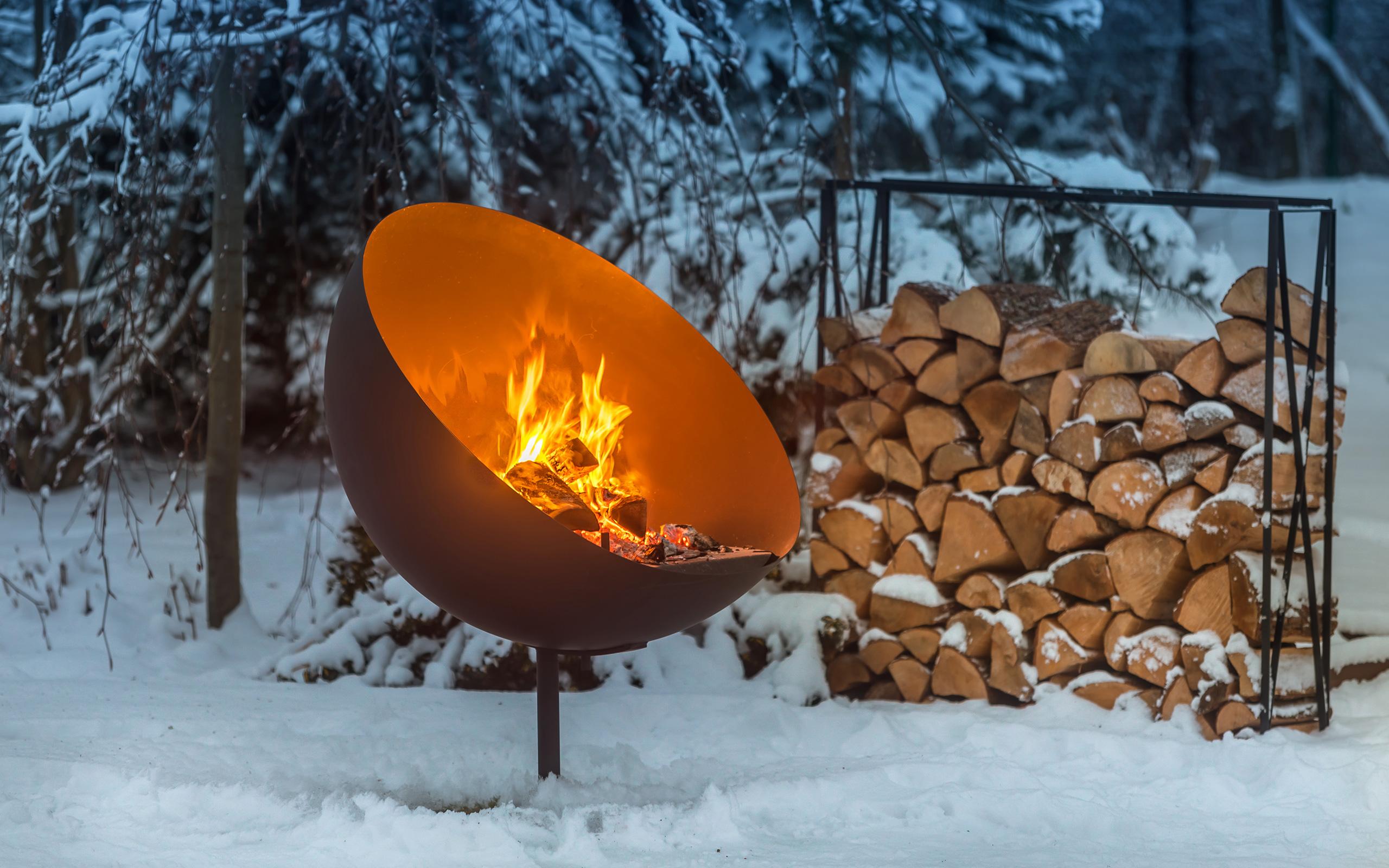 Winterstimmung mit der Feuerschale Lune - Feu du Jardin