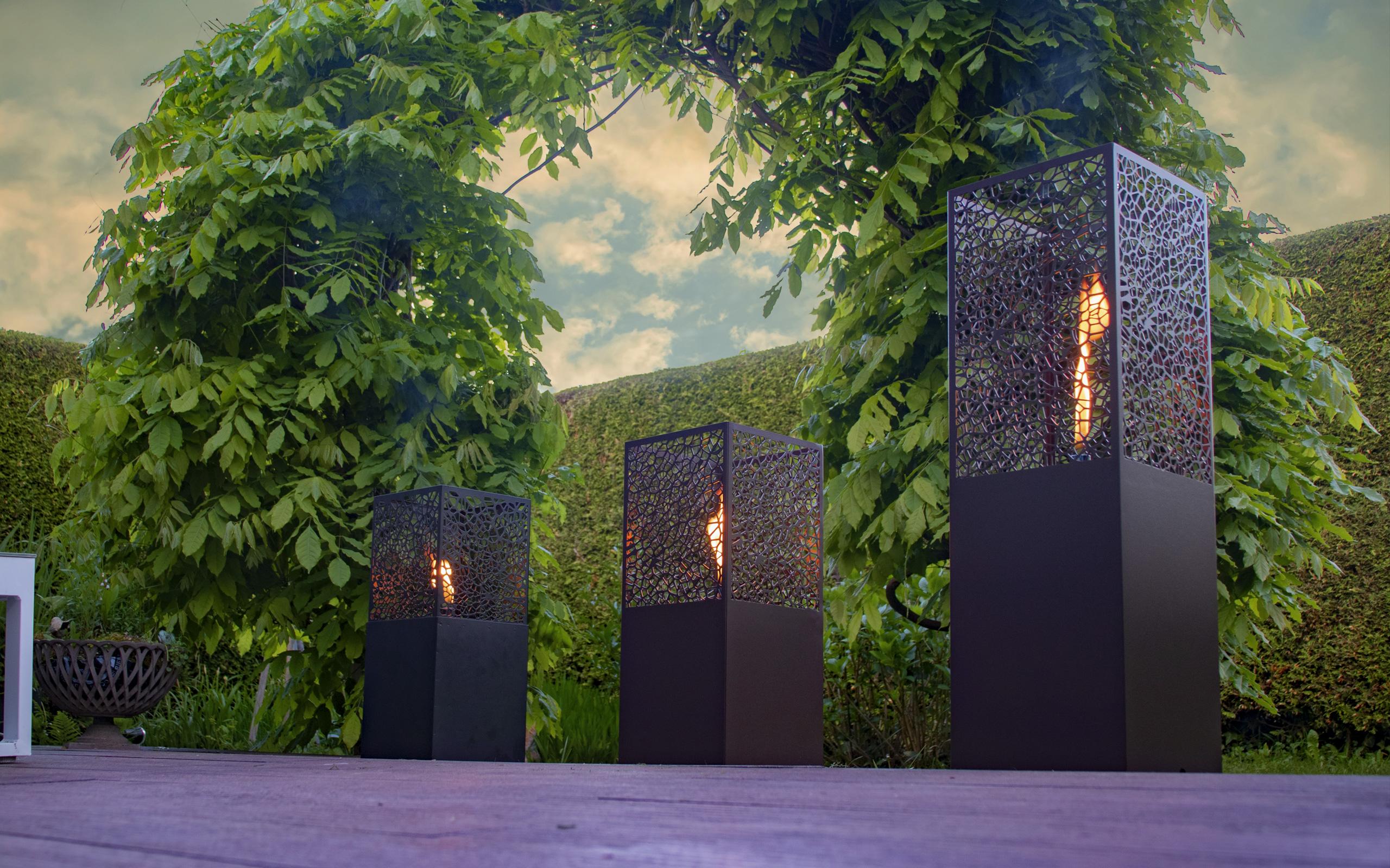 Dekorative Oellampen für die Gartenterrasse