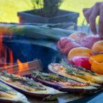 Gemüse zubereiten auf der Feuerschale - Feu du Jardin