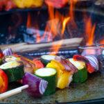 Gemüse zubereiten auf der Plancha Platte - Feu du Jardin