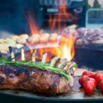 Lammwrack grillieren auf der Feuerschale - Feu du Jardin